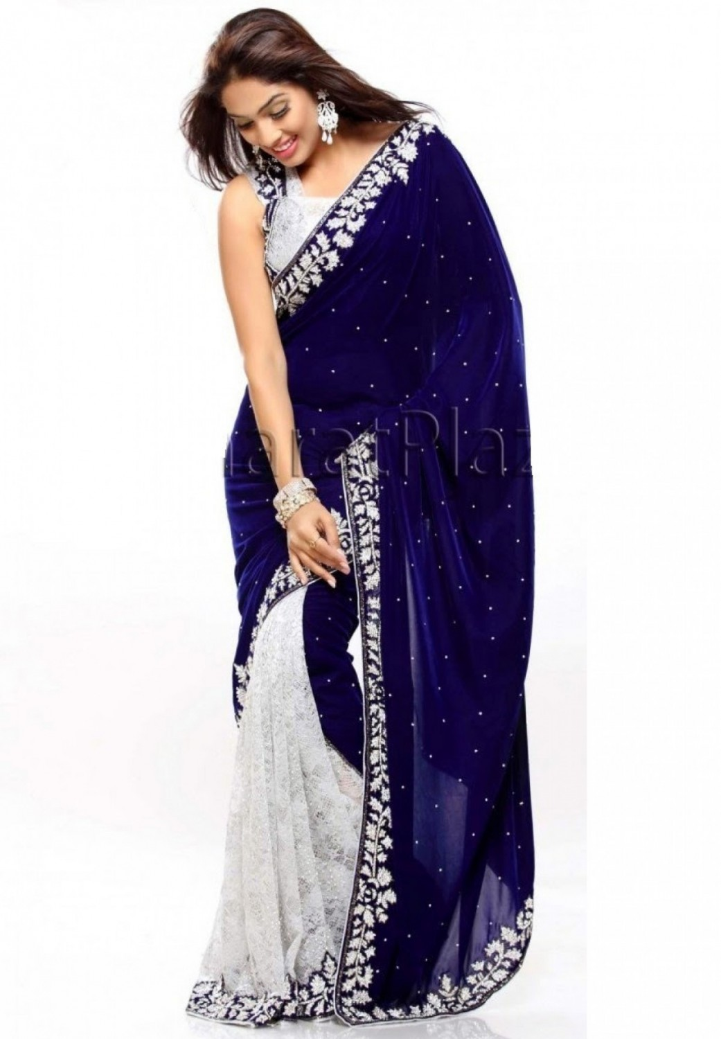 buy blue velvet saree sari at lowest price blvesa22372jcq071212 kraftly. Black Bedroom Furniture Sets. Home Design Ideas